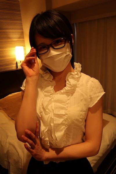 新宿メンズエステ「アロマと眼鏡と私」のマッサージ嬢
